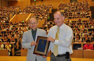 Dr. Sasaki & Dr. Mesibov 2010 Schopler Award presentation in Japan